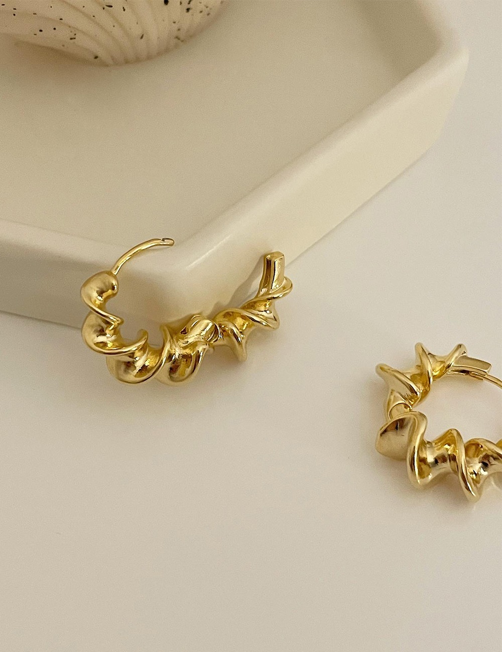 (vintage) Twist sharp earring