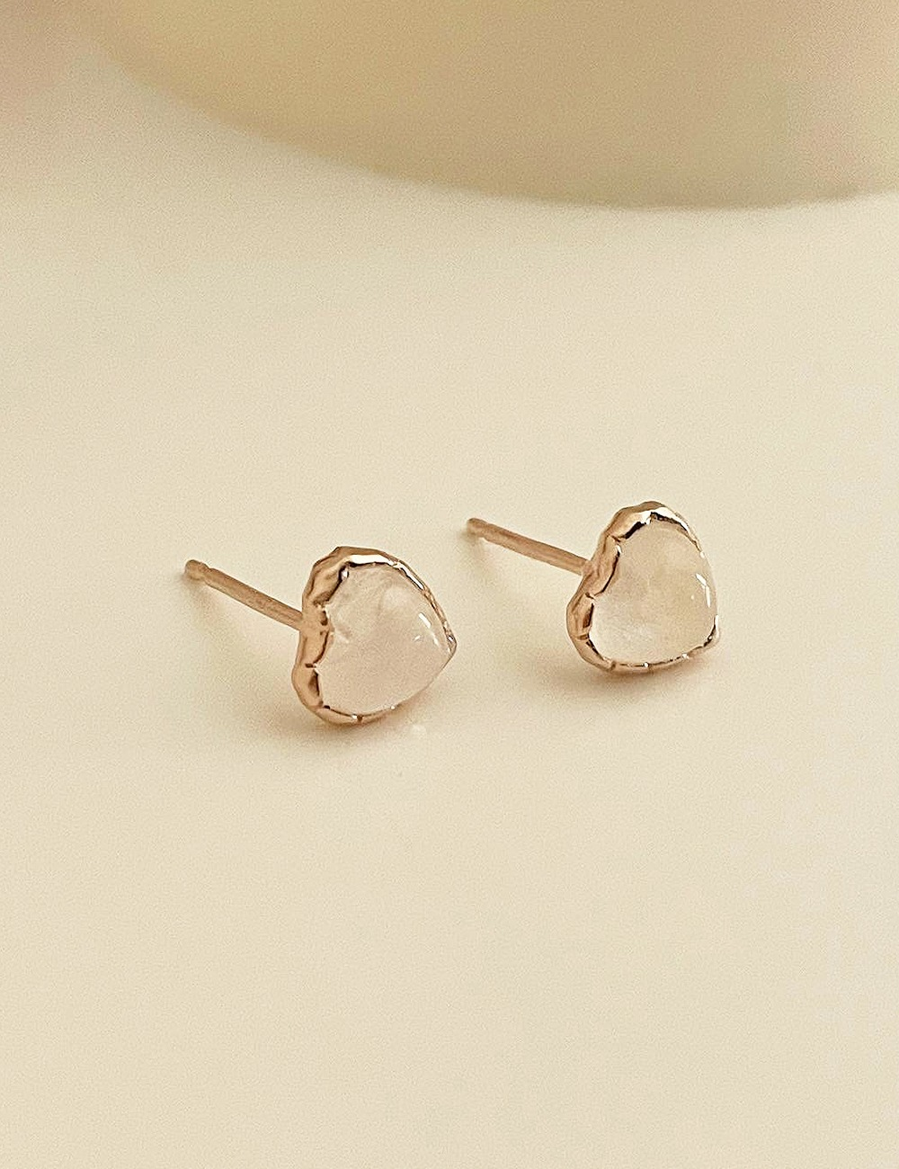 (silver 92.5) Heart moonstone earring
