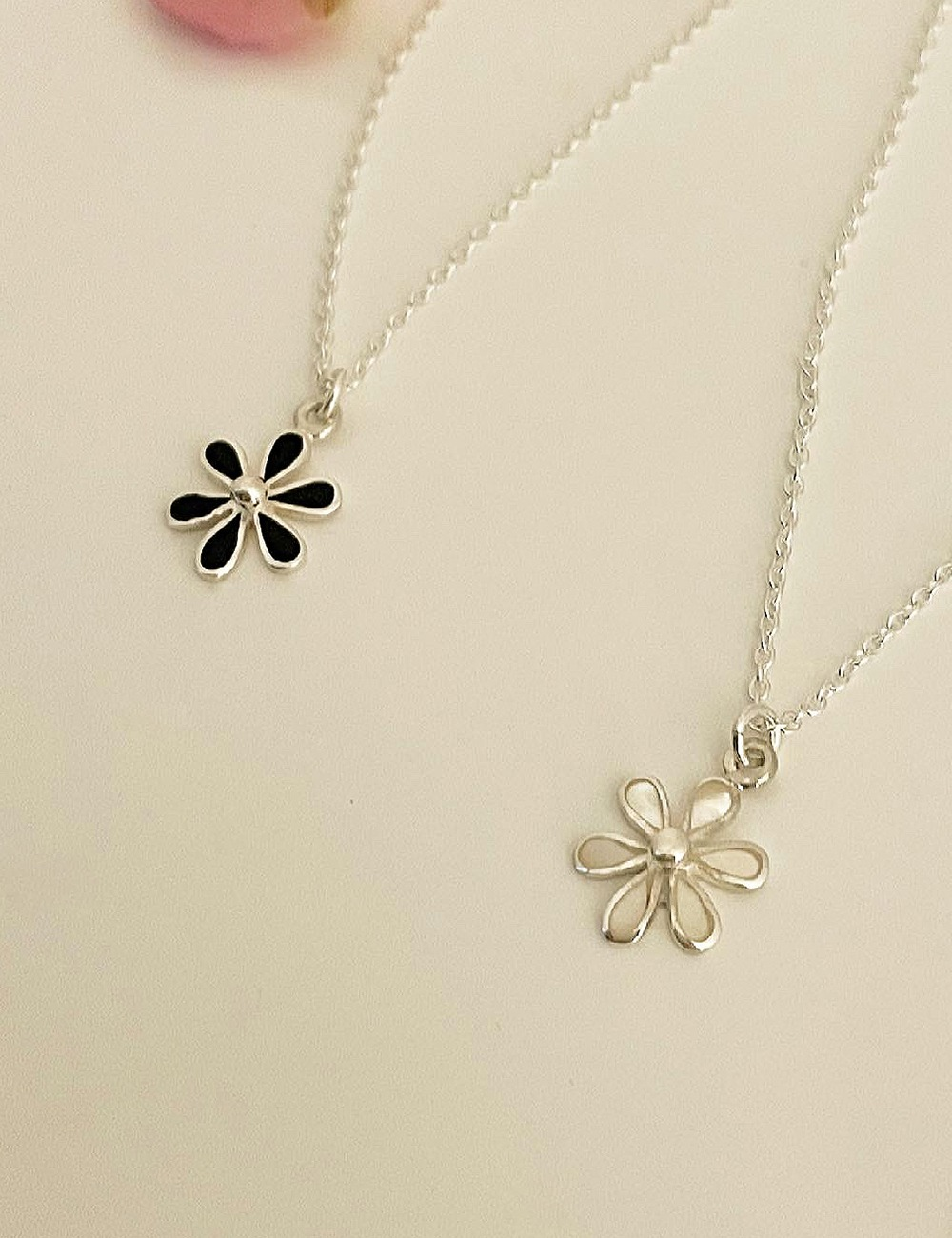 (silver 92.5) Onyx flower necklace